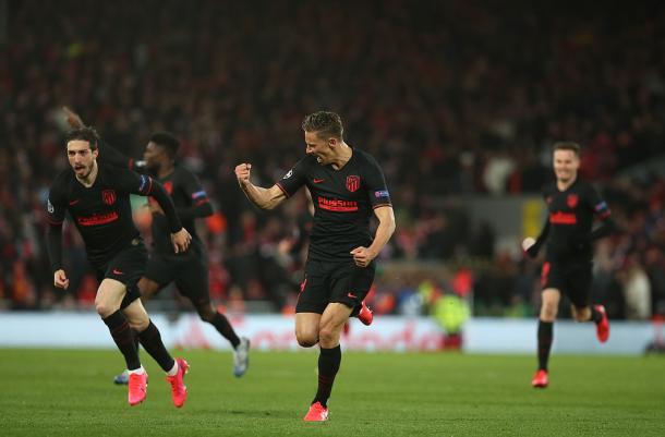 Celebración del primer gol de Marcos Llorente frente al Liverpool / Twitter: Marcos Llorente
