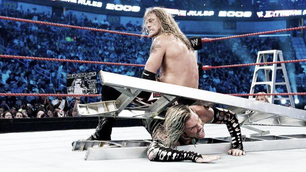 Edge applies a painful move to the legs of Jeff Hardy (image: wrestlestars.com)