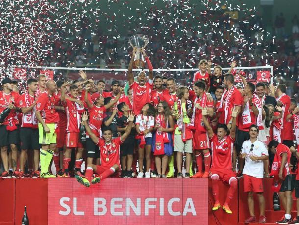 O Benfica celebrou a conquista do troféu // Foto: slbenfica.pt