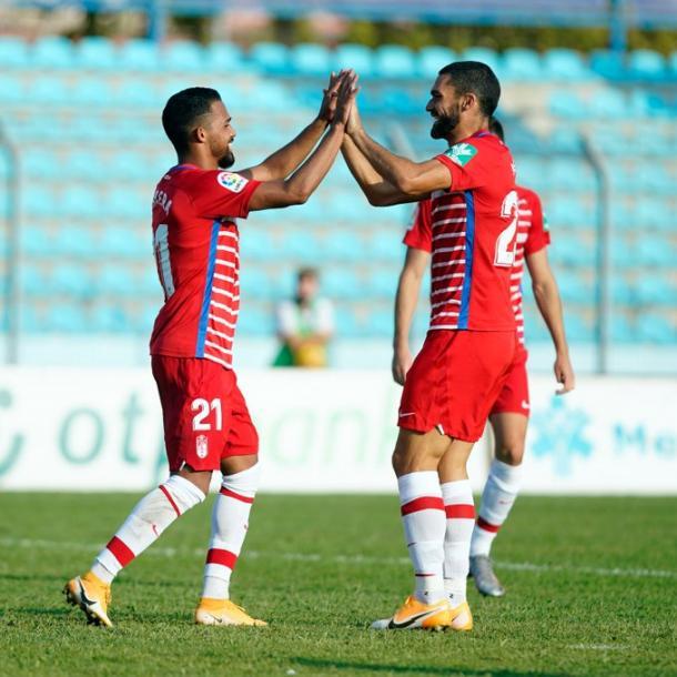 Yangel y Jorge Molina celebran el gol del venezolano | Foto: Pepe Villoslada / Granada CF