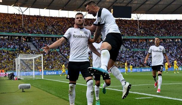 L'esultanza di Rebic. | Fonte immagine: Twitter @Eintracht