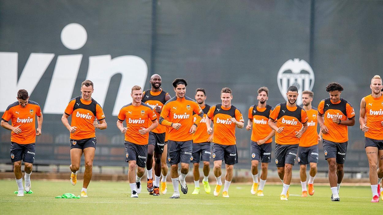 El equipo en un entrenamiento. Fuente: Twitter(@Carlos10Soler)