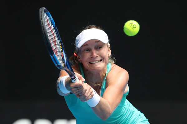 Ekaterina Makarova hits a backhand | Photo: Scott Barbour/Getty Images AsiaPac