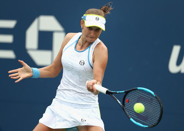 Ekaterina Makarova in action during the match | Photo: Al Bello/Getty Images North America
