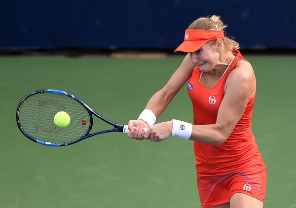 Ekaterina Makarova in action at the Dubai Duty Free Tennis Championships | Photo: Tom Dulat/Getty Images Europe