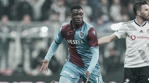 Caleb Ekuban en un partido que enfrentaba a Trabzonspor y Besiktas / Foto: Transfermarkt