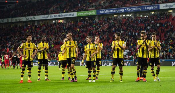 El Borussia Dortmund agradeciendo el apoyo de sus aficionados | Foto: Borussia Dortmund