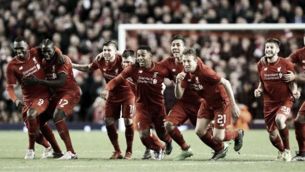 El Liverpool celebra el gol que le da el pase a la final de la Capital One | Foto: BBC