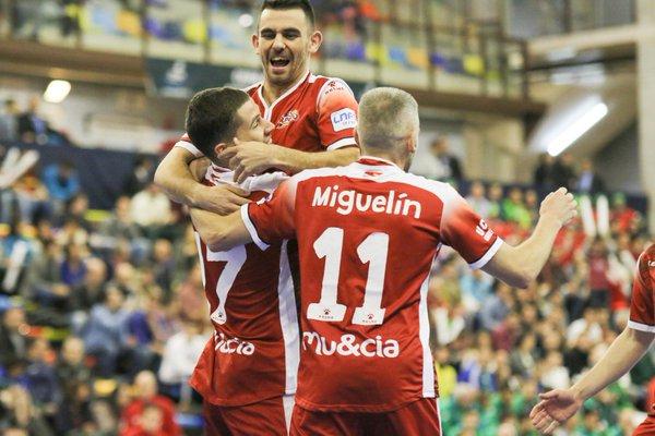 Raúl Campos, Miguelín y Álex celebran uno de los goles | Foto: ElPozo Murcia FS