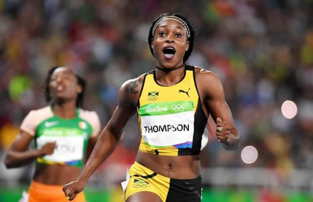 Thompson after winning 100m gold earlier in the week | Photo: Contramuro