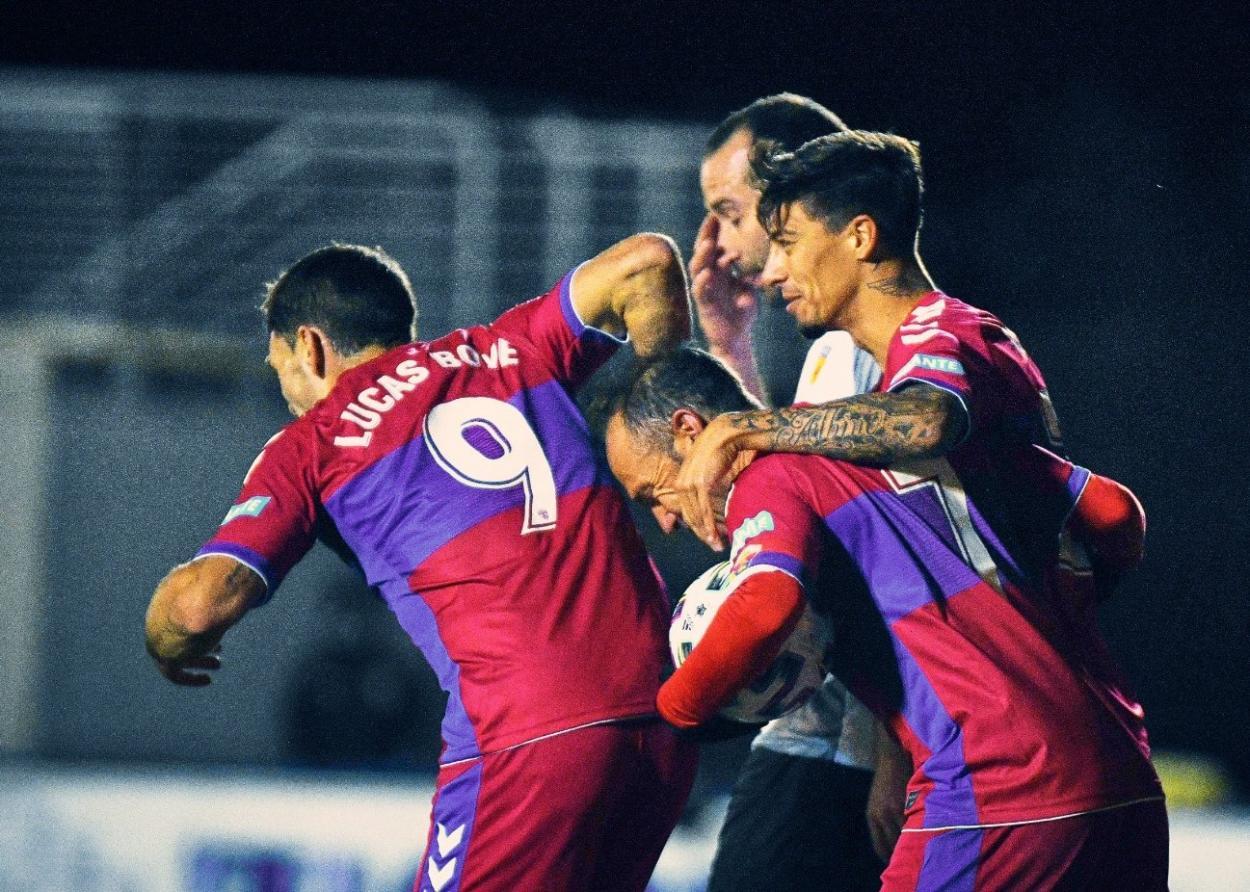 Los jugadores del Elche celebran uno de los goles marcados ante el Buñol // FOTO: Twitter del Elche