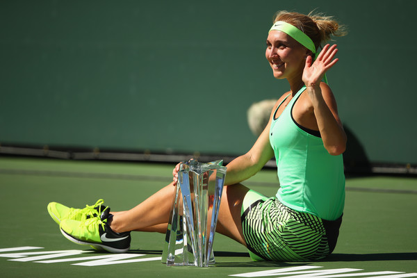 Elena Vesnina with her BNP Paribas Open title | Photo: Clive Brunskill/Getty Images North America