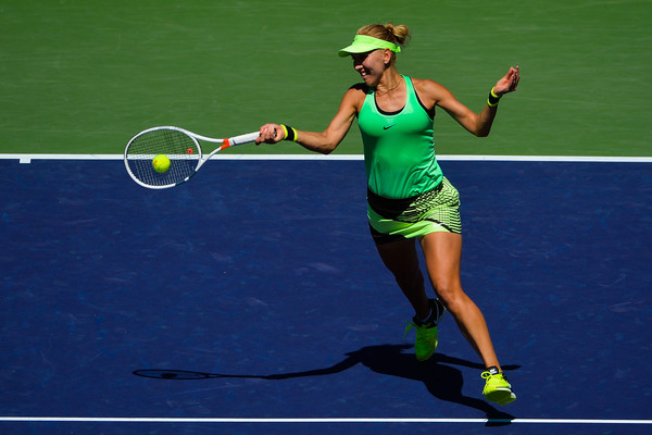 Elena Vesnina jumped out to a fast start, twice leading by a break in the first set | Photo: Alex Goodlett/Getty Images North America