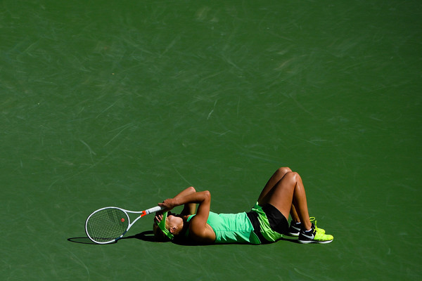 Elena Vesnina celebrates her triumph at the BNP Paribas Open | Photo: Alex Goodlett/Getty Images North America