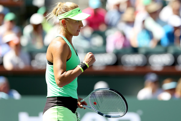 Elena Vesnina celebrates a point won in Indian Wells | Photo: Matthew Stockman/Getty Images North America