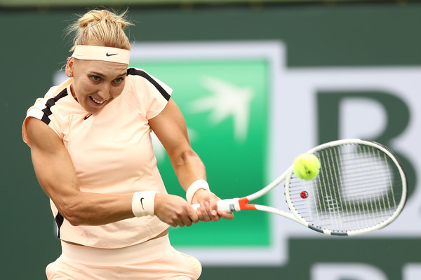 Elena Vesnina in action during her second-round win over Catherine Bellis, a win which gave her a decent amount of confidence | Photo: Matthew Stockman/Getty Images North America