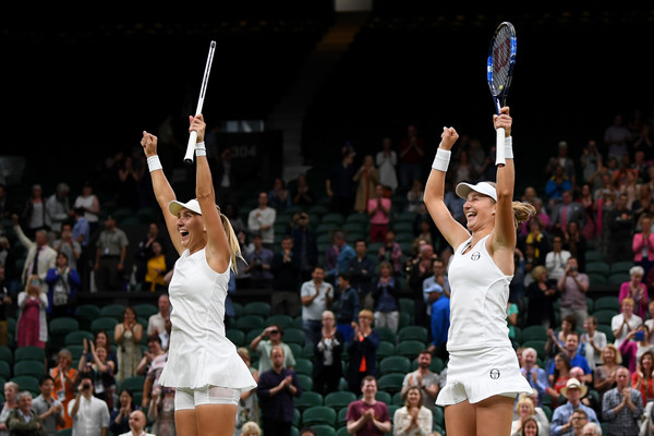 Ekaterina Makarova and Elena Vesnina celebrates their win at Wimbledon | Photo: Shaun Botterill/Getty Images Europe
