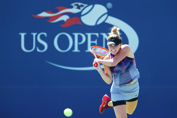 Elina Svitolina hits a backhand during the match | Photo: Richard Heathcote/Getty Images North America