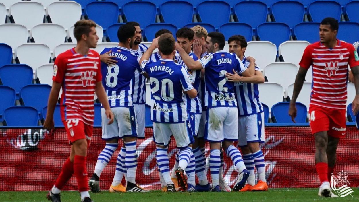 Los jugadores de la Real celebran uno de los tantos | Foto: Real Sociedad