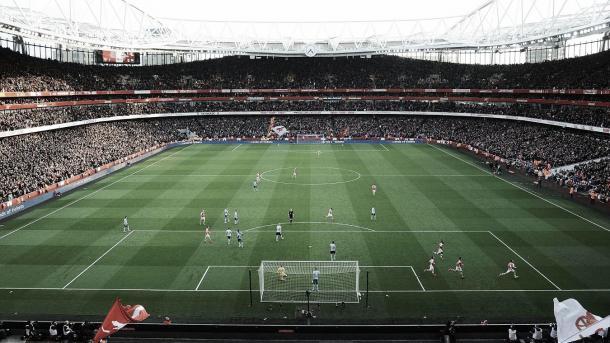 Arsenal jugando en el Emirates Stadium. Foto: Premier League.