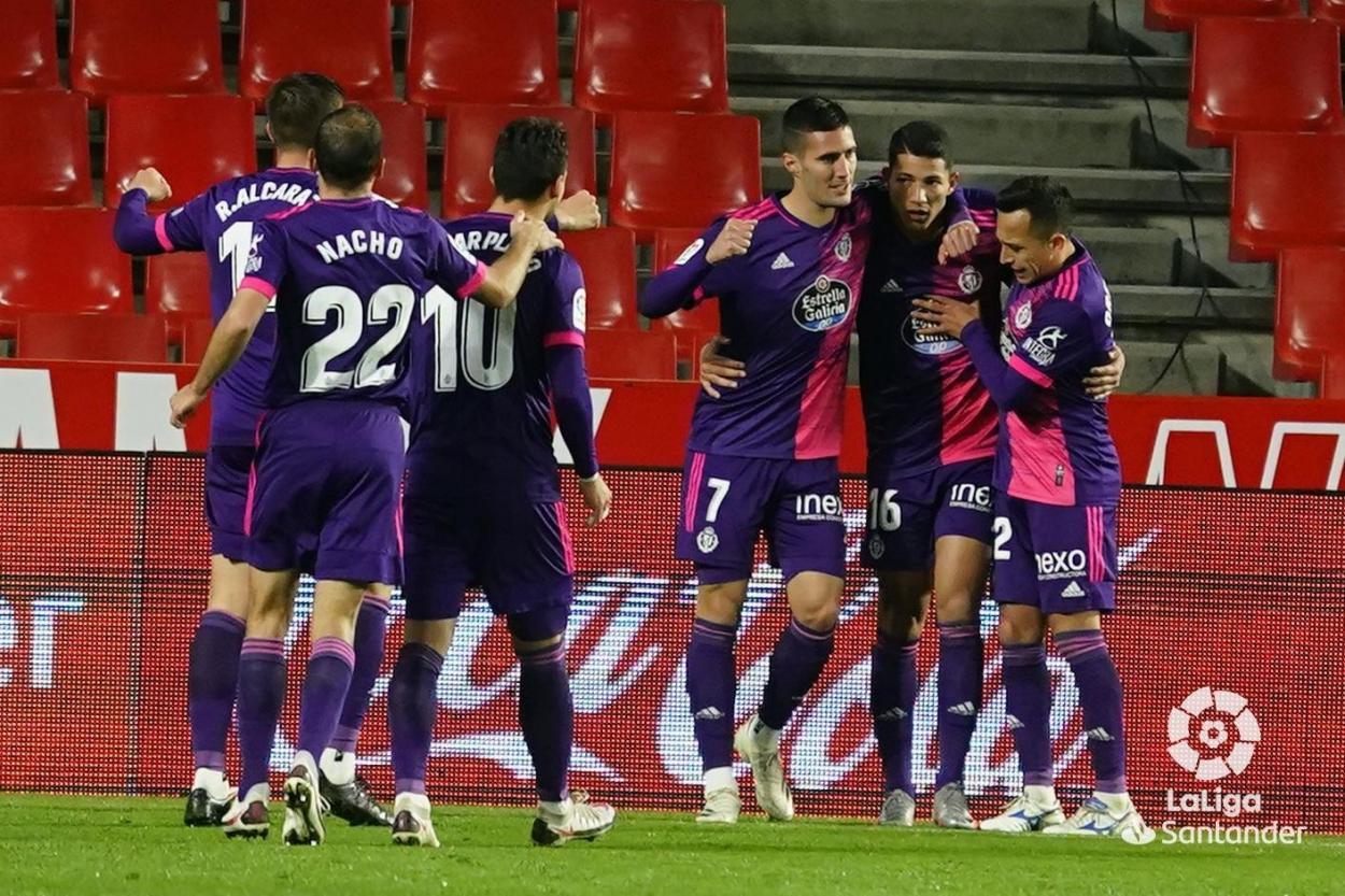 Celebración tras ganarle al Granada. / Twitter: Real Valladolid oficial