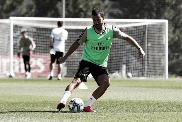 Entrenamiento Eden Hazard con balón | Foto: Real Madrid