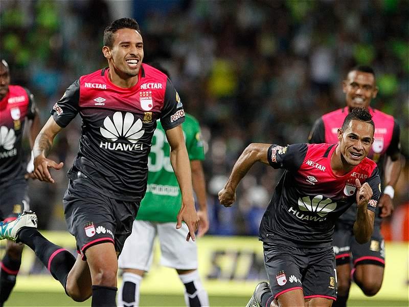 La última victoria de Santa Fe en semifinales de Liga bajo el formato de Play-offs ante Atlético Nacional, 4-0 en Medellín. Imagen: @DatosSantaFe.