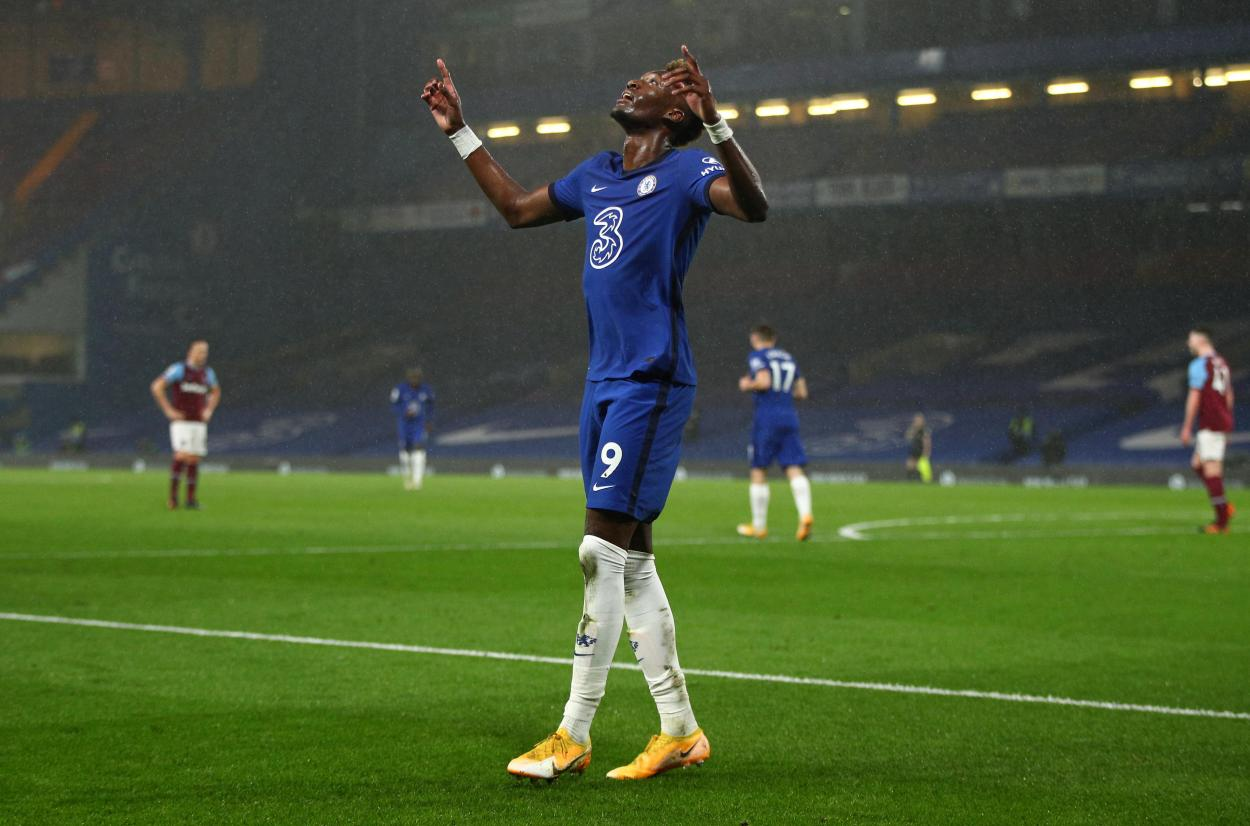 Abraham se convirtió en figura con su doblete / FOTO: Premier League