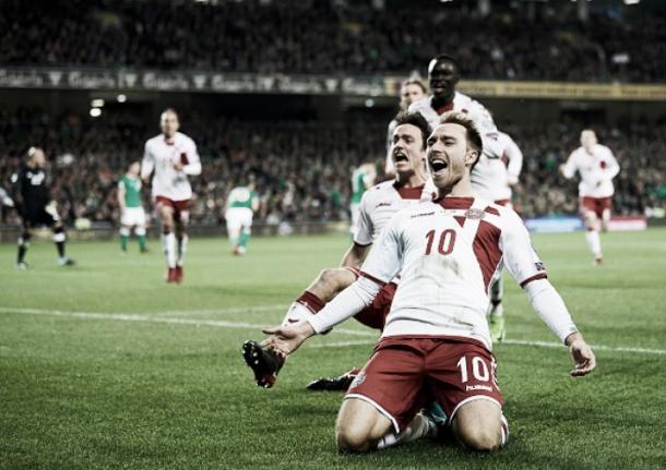 Christian Eriksen, tras anotar uno de sus goles a Irlanda en la repesca que clasificaria a Dinamarca para este Mundial (Foto: vavel.com)