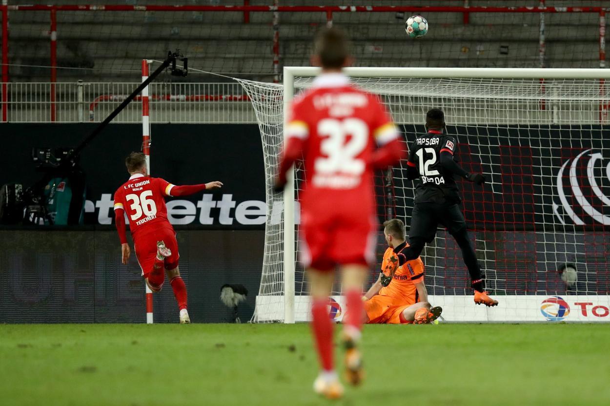 Cedric Teuchert en plena definición, previo al gol / Foto: @fcunion_es