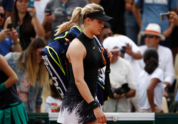 Eugenie Bouchard exits the court after the loss with disappointment | Photo: Adam Pretty/Getty Images Europe