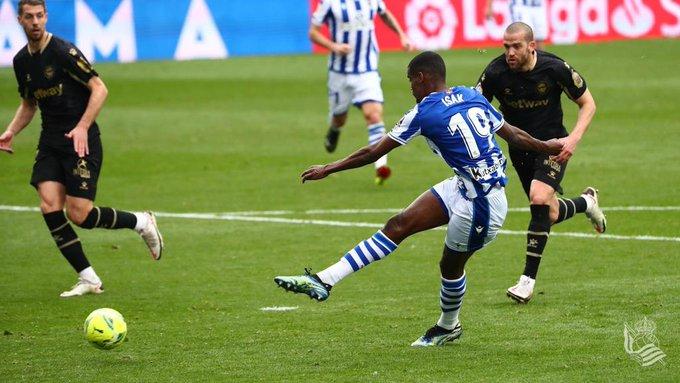 Isak en el primer gol. Real Sociedad