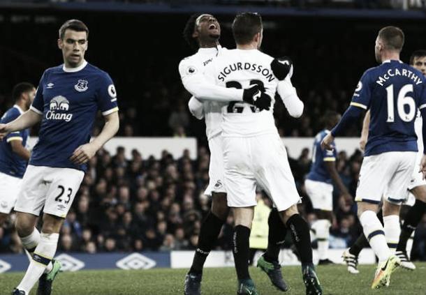 El Evertonsalvó un punto en el partido ante el Swansea. Foto: Getty Images.