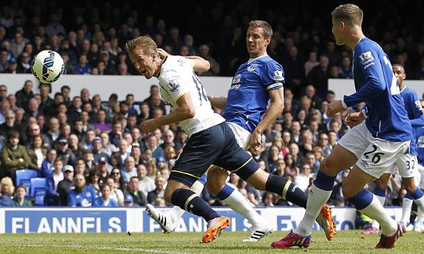 Tottenham's Harry Kane in action when the two sides met last season as John Stones and Phil Jagielka watch on. | Photo: Getty Images