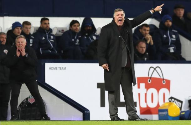 Allardyce durante el choque.   Imagen: @Everton