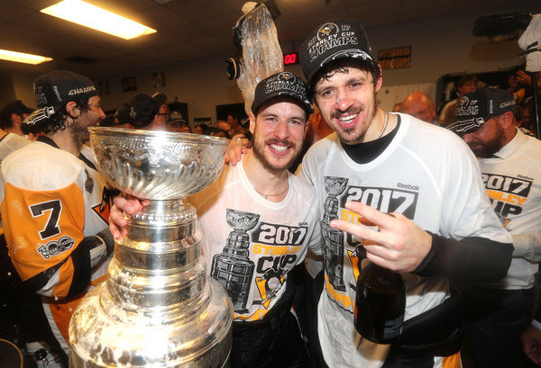 Crosby and Malkin celebrate their third Cup together/Photo: Pool/Getty Images