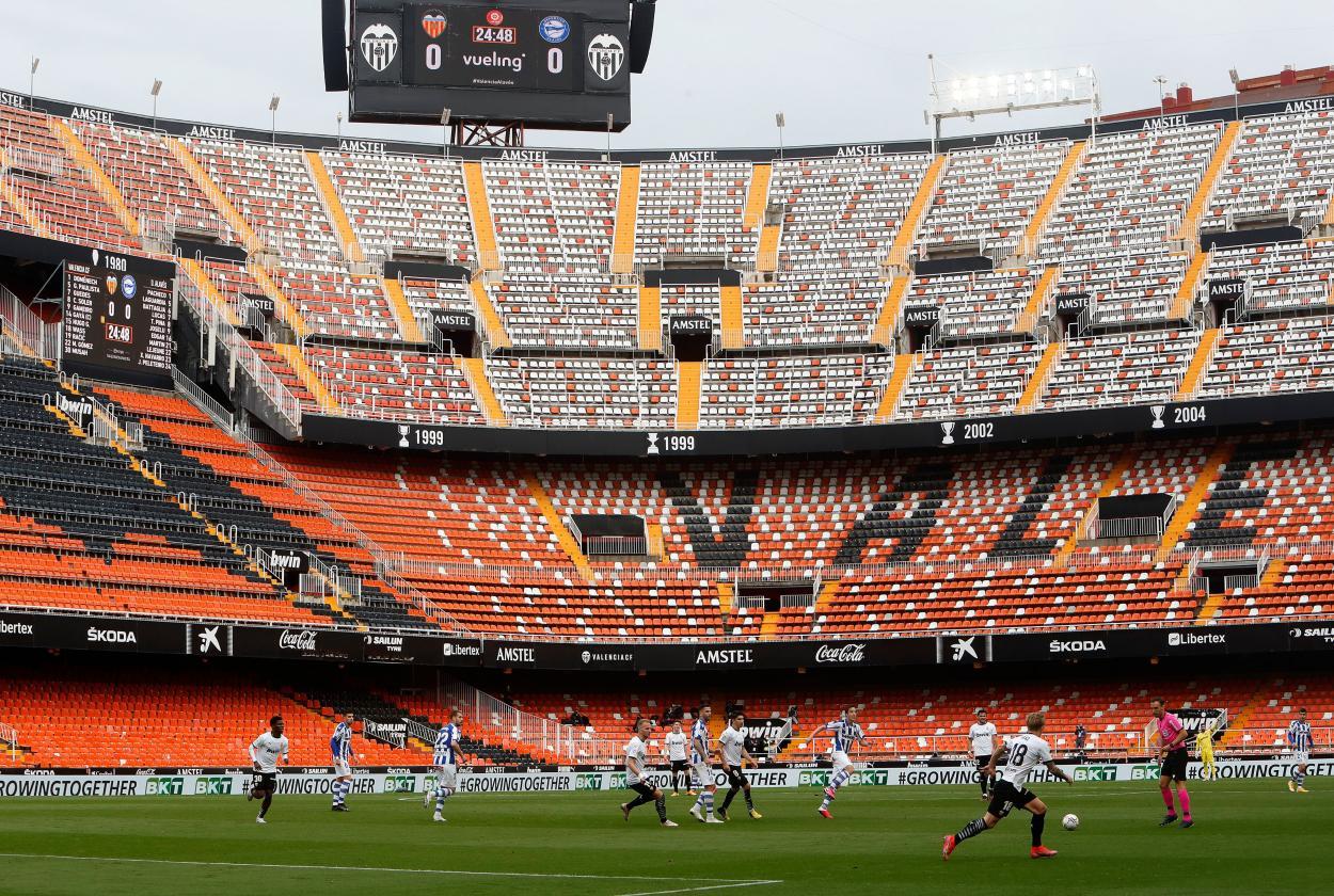 Partido en juego durante la primera parte   Foto: Valencia CF