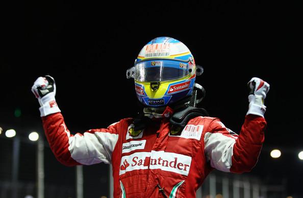 Alonso festeggia il suo secondo successo a Singapore, nel 2010. Fonte foto: getty images.