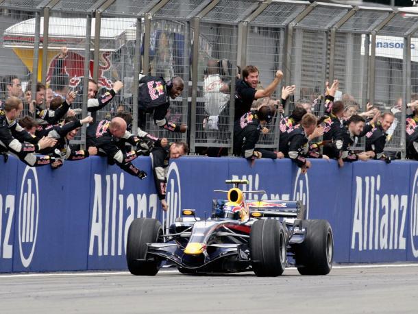 Mark Webber llega en tercera posición en el Gran Premio de Europa de 2007 | Fuente: www.f1-fansite.com