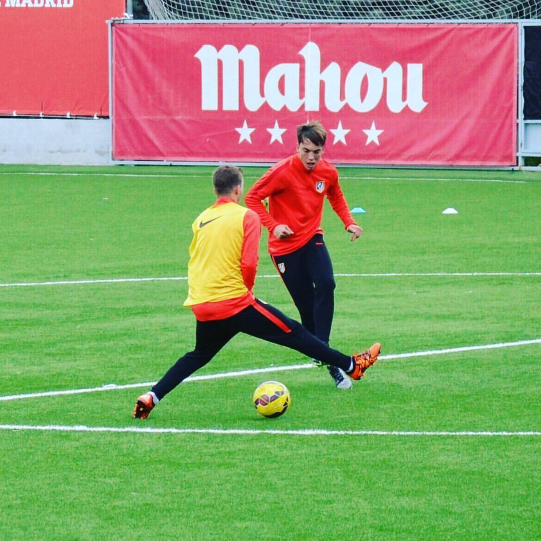 Paulino de la Fuente pasó por la cantera del Atlético de Madrid, después de dos años y medio en Italia | Fuente: @paulinoo10 (Instagram)