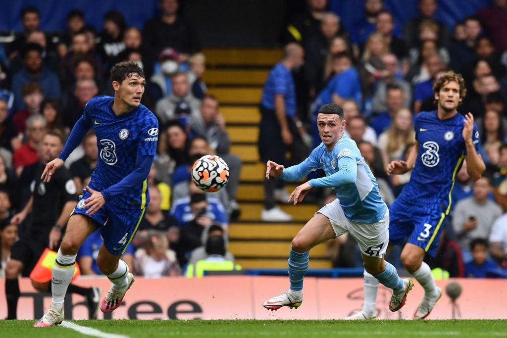 Christensen y Foden disputan un balón / Foto: Twitter @premierleague