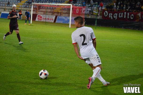 Angel Bastos en una jugada de ataque   Foto: Jose Mendoza