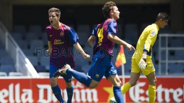 Álex Moreno celebrando un gol   Fotografía: FC Barcelona
