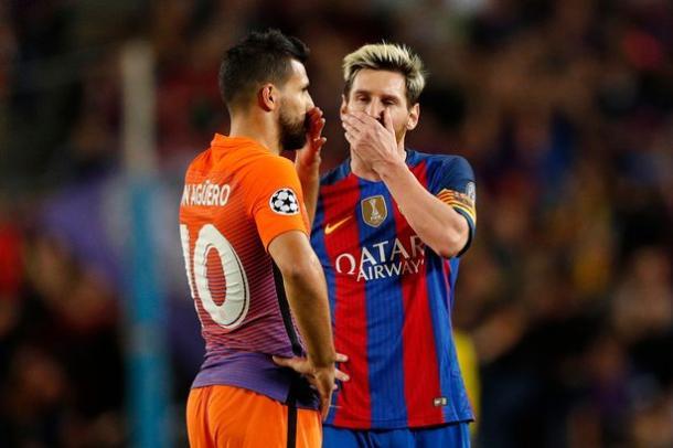 Leo Messi e Sergio Aguero durante Barcellona-Manchester City: saranno compagni l'anno prossimo?