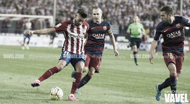 Iniesta y Jordi Alba ante el Atlético de Madird | Foto: Jaime del Campo - VAVEL