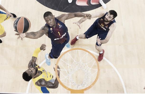Seraphin se eleva para capturar un rechace /Foto: Euroleague.basketball