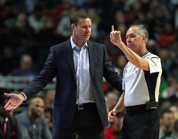 Chicago Bulls Head Coach Fred Hoiberg complains to the referee during the Bulls game against the Atlanta Halks / Jonathan Daniel - Getty Images