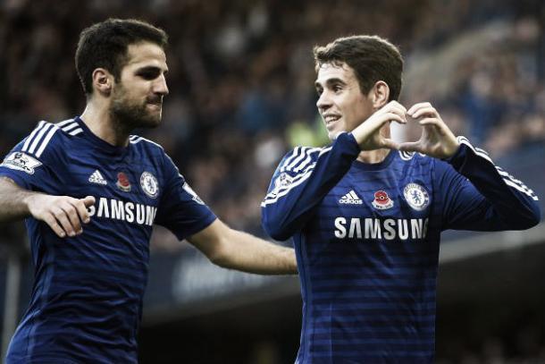 Fábregas y Oscar celebrando un gol. Foto: Getty Images.