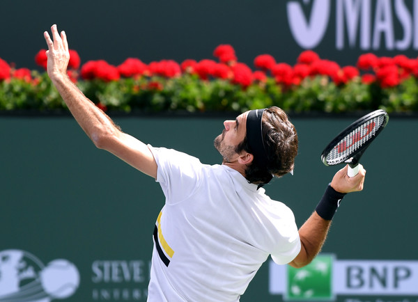Federer served brilliantly in the third set until it mattered most. Photo: Harry How/Getty Images