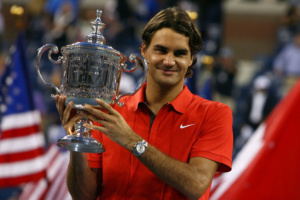 Federer poses with his trophy after winning the 2008 US Open, his last title in New York. Photo: Al Bello/Getty Images